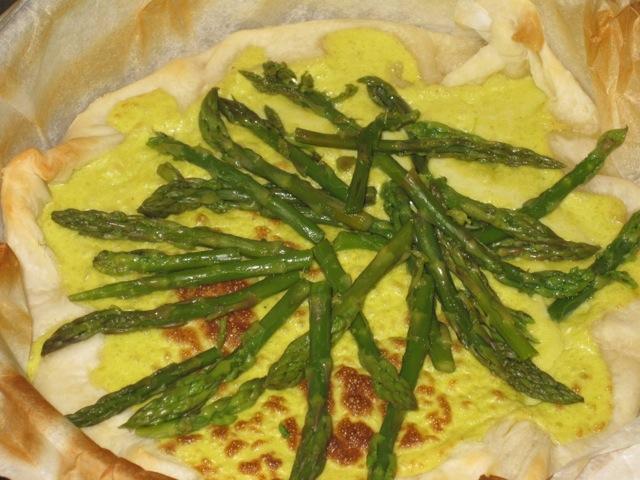 metà cottura della torta di asparagi